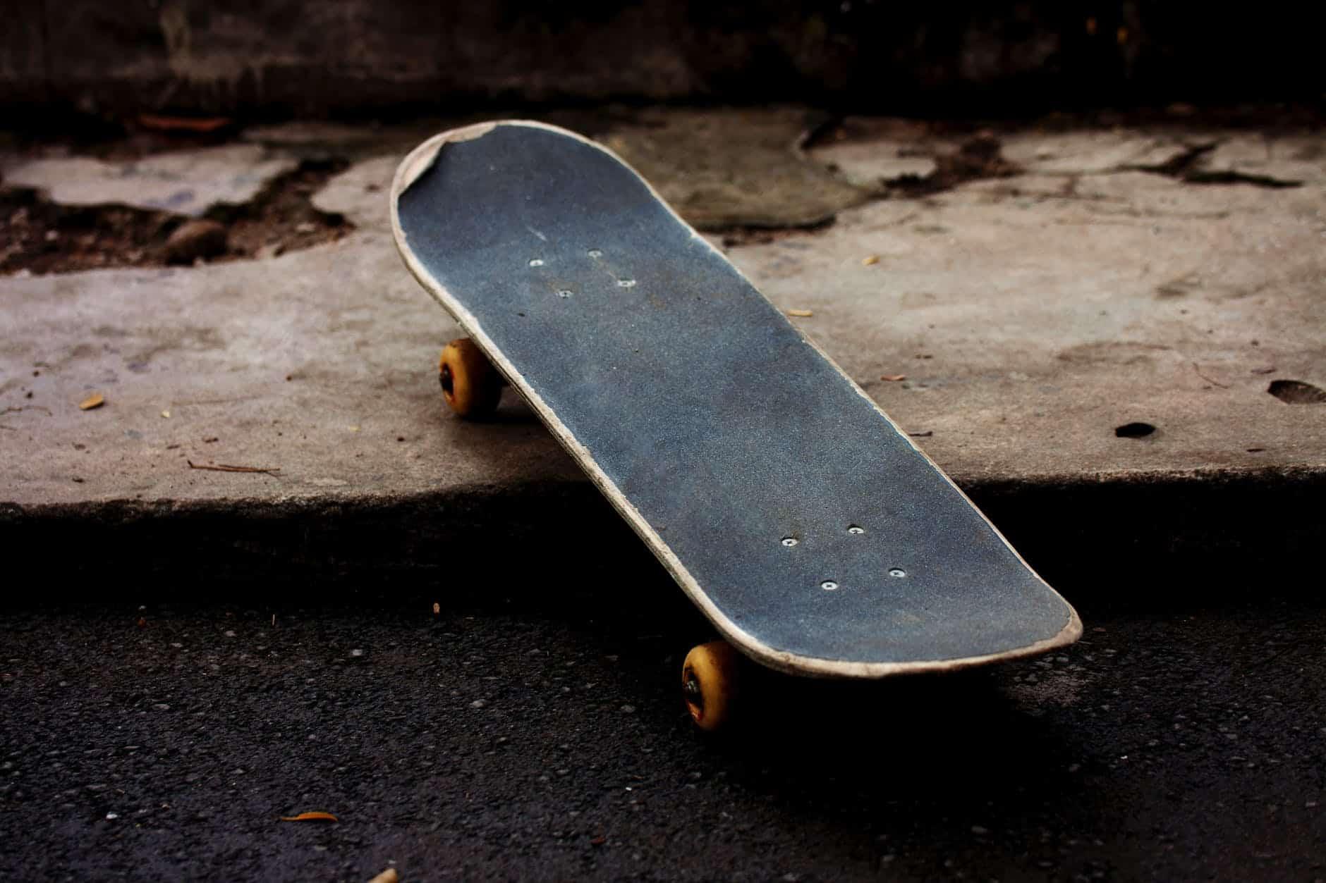 a978c00b Revive Skateboard: An Honest Review 2019 - Long Board Planet